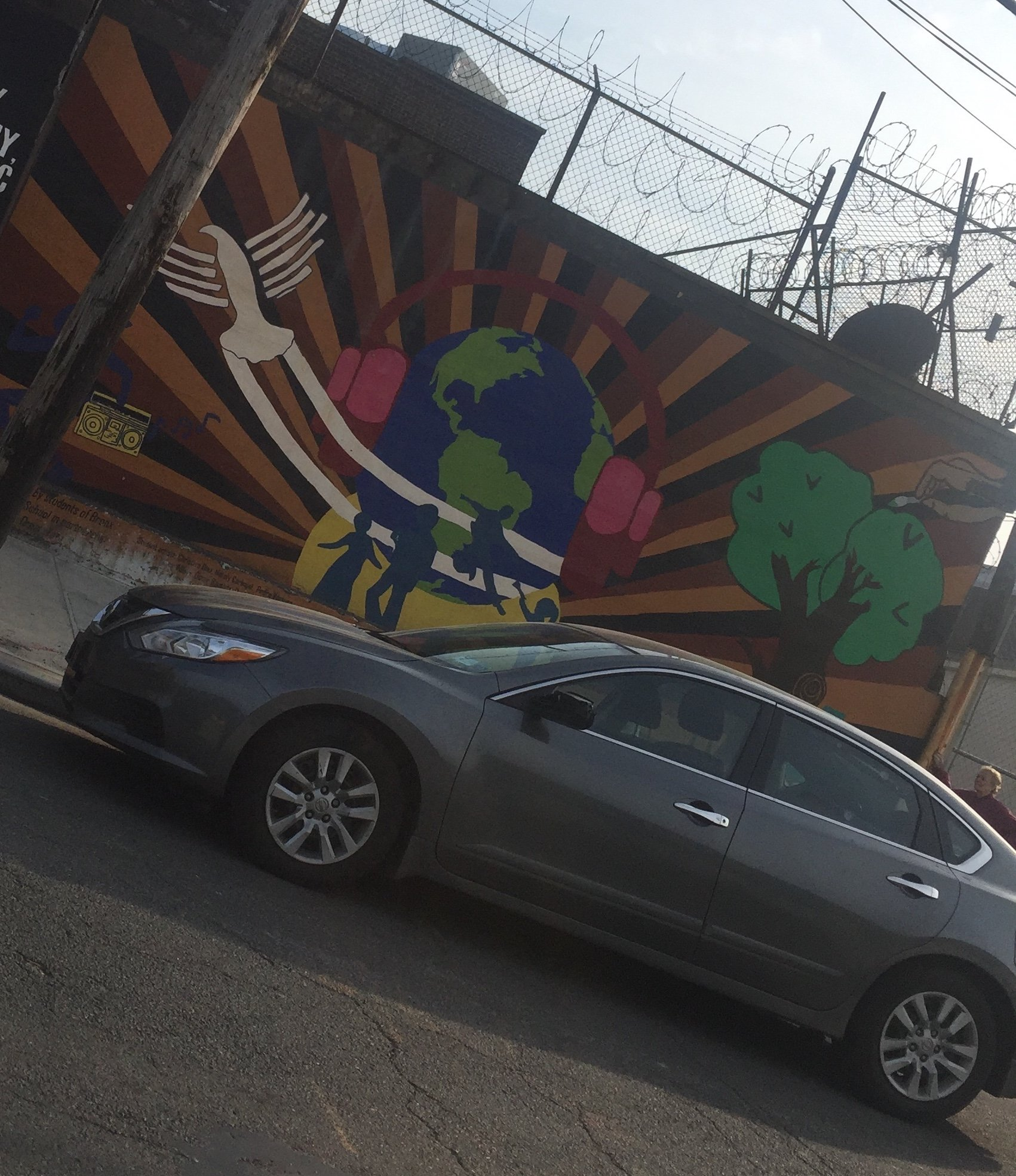 A mural created by DreamYard students on East 165th. (Photograph by author.)