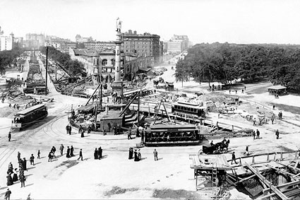 Columbus Monument at the center of subway construction, 1901