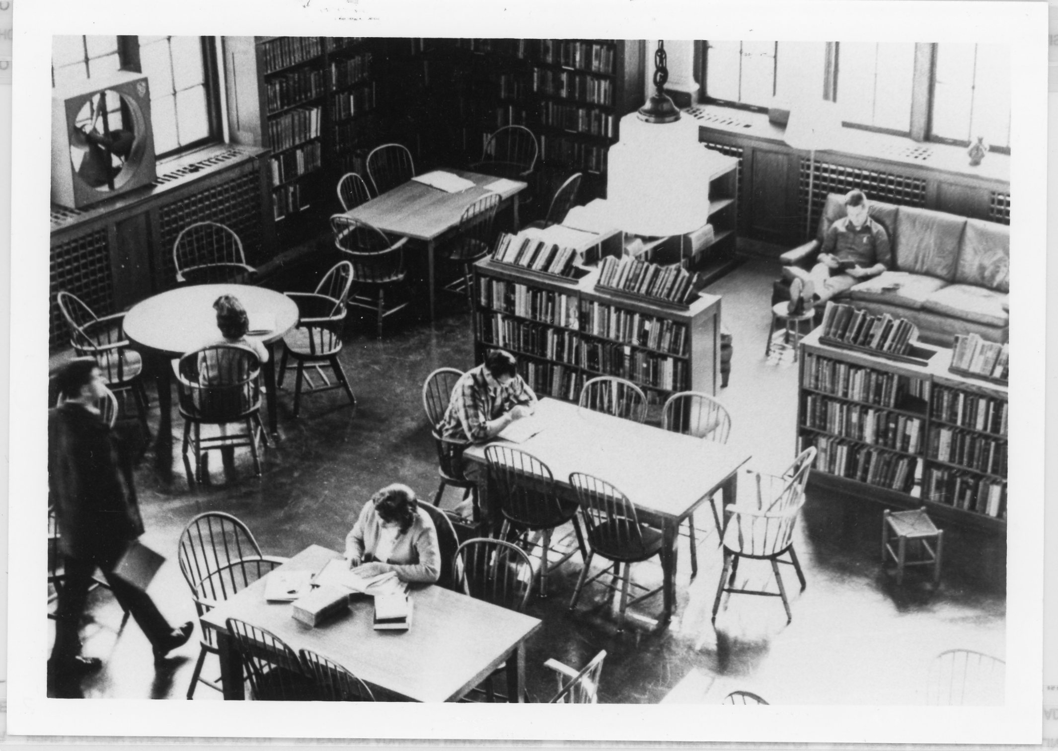 Inside Wills Hall as a library, prior to the creation of Carmichael Library.