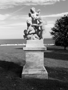 Elaborate cherub statue on the property (Photo courtesy of the Gilded Butler)