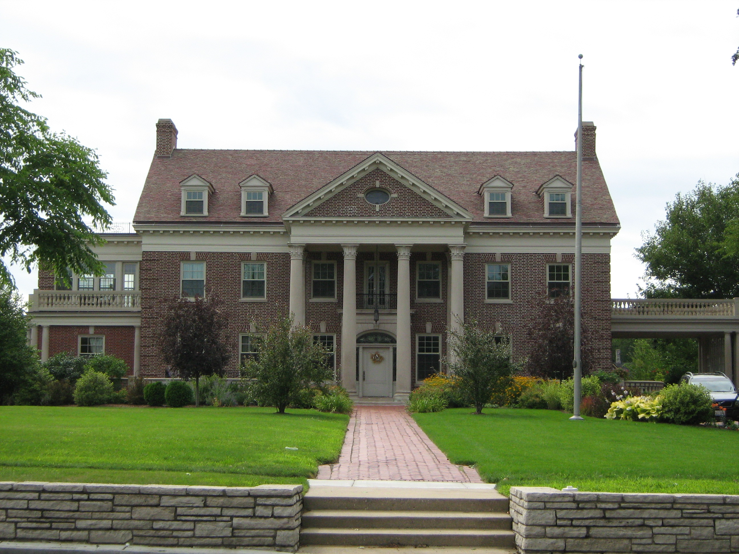 Front of Mansion, Taken on August 22, 2009