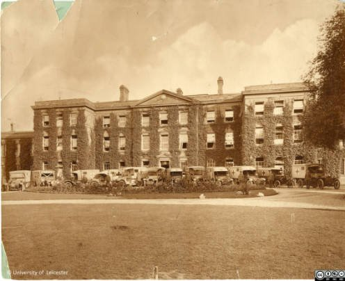 Frontage of Fielding Johnson Building with army ambulances, 1914-1918, University of Leicester Archives, ULA/FG1/3/37
