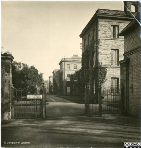 Entrance to College by Fielding Johnson Building, 1920s, University of Leicester Archives, ULA/FG1/3/18