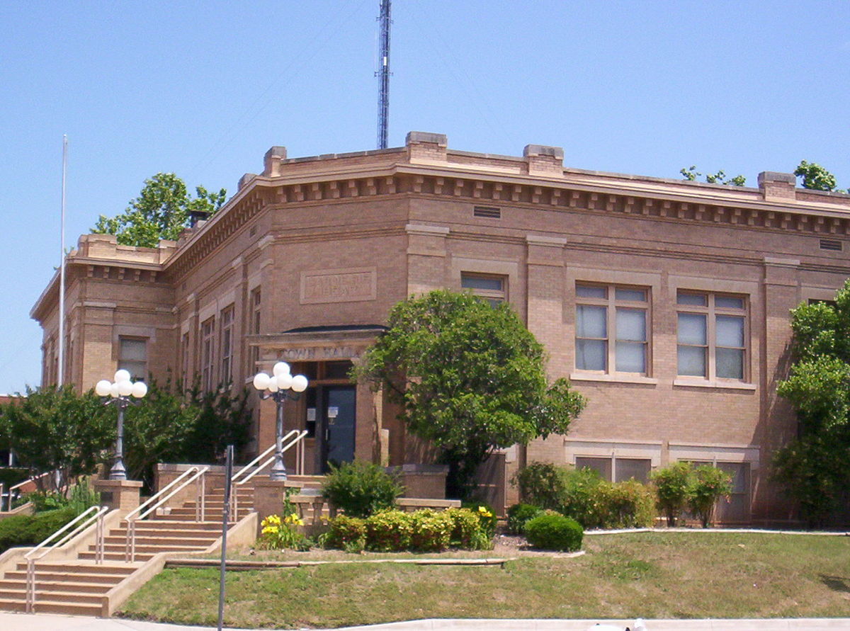 The Lawton Carnegie Library