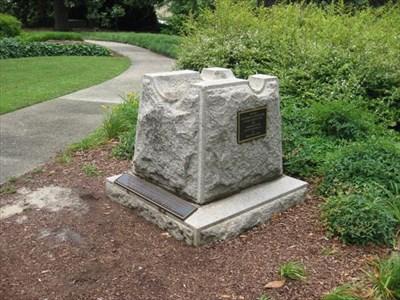 Rock, Memorial, Grass, Tree