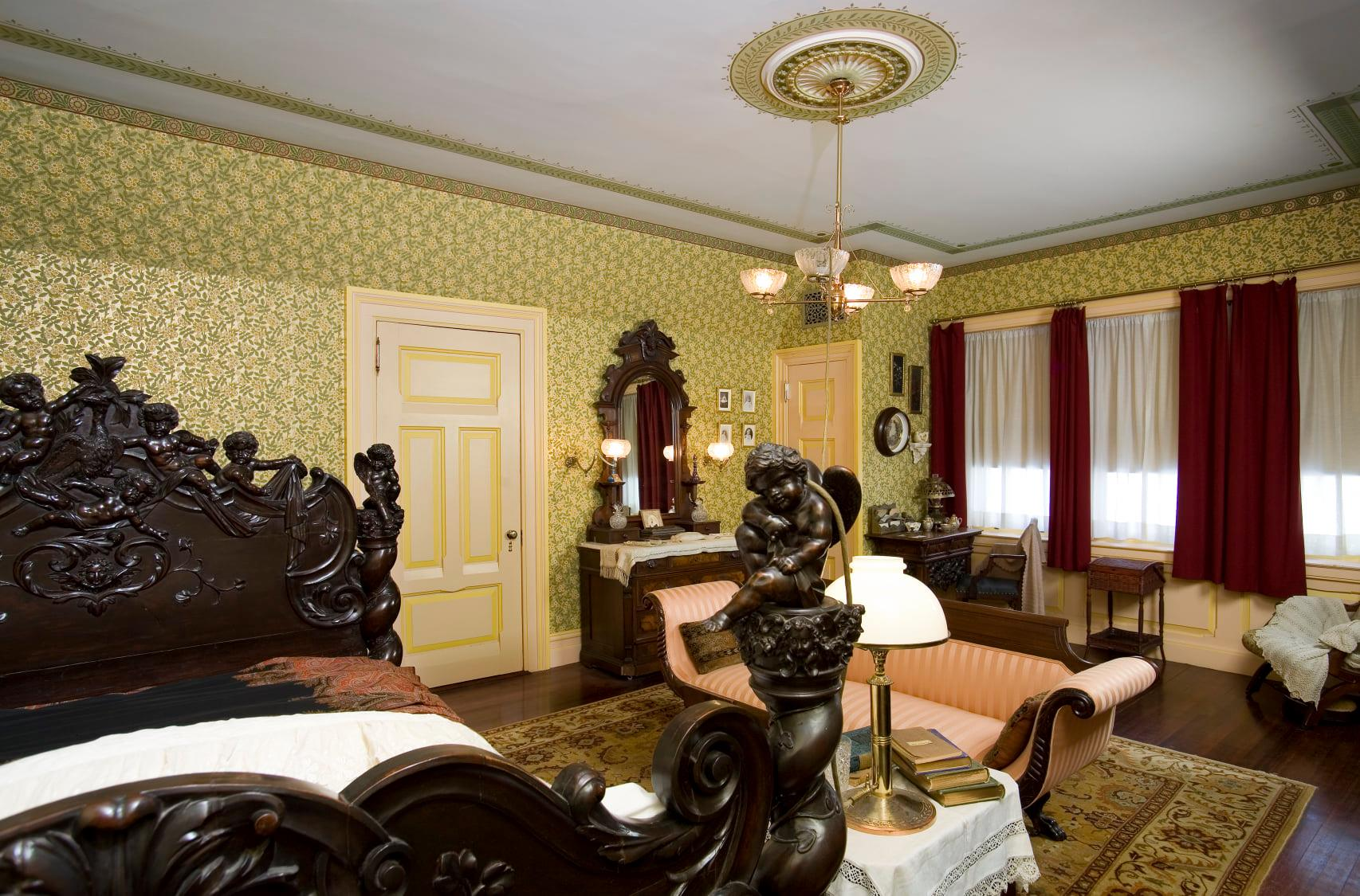 The Master Bedroom: The Italian bed followed Twain his through his adulthood, him even dying in the bed in 1910