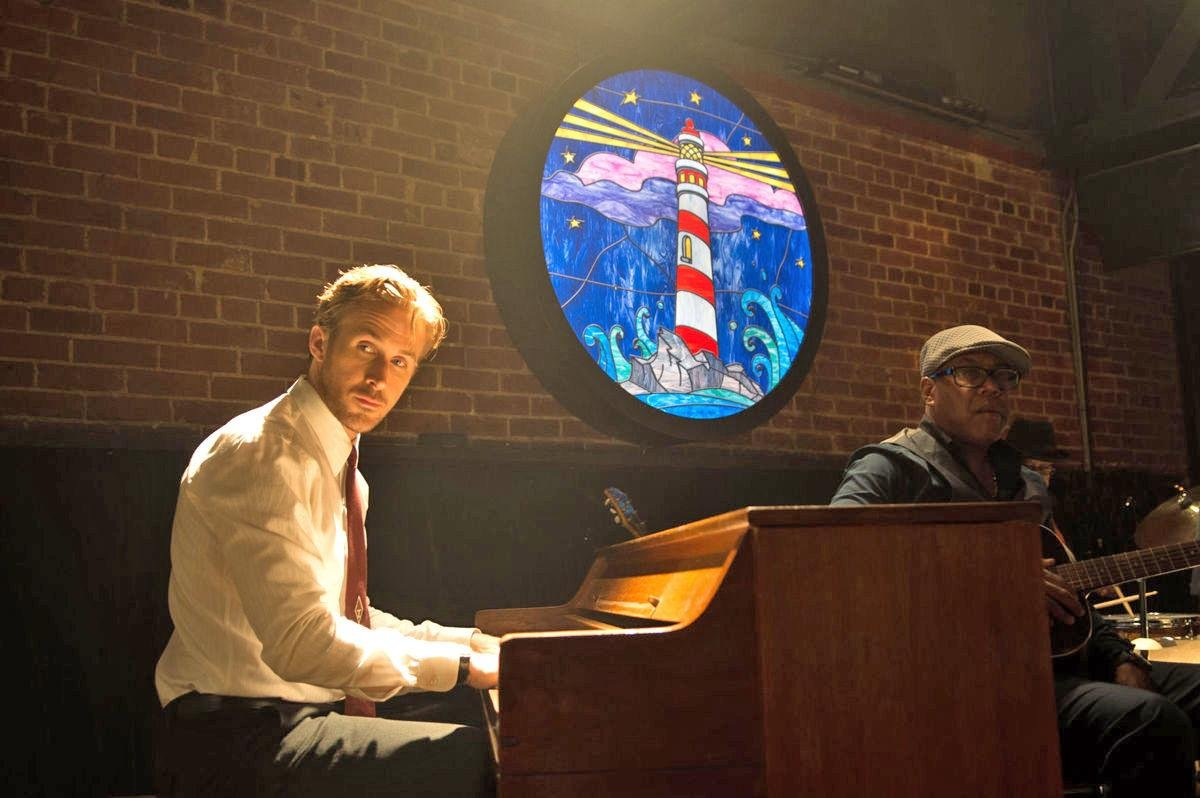 Ryan Gosling playing the piano in the movie La La Land at the Lighthouse Cafe.