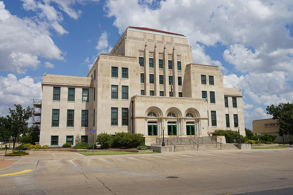San Angelo City Hall was built in 1928 and is a great example of Moderne architecture.