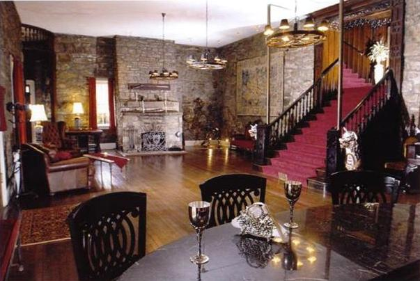 Berkeley Springs Castle living room