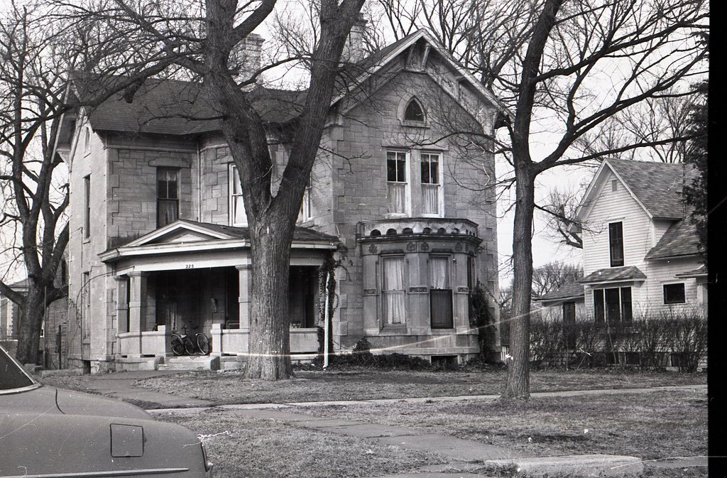 The Sargent House as it appeared in 1960.