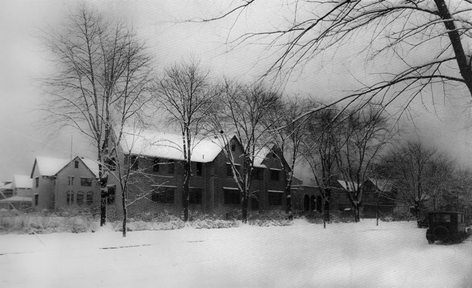 1924 Picture of Roycemore School, Evanston, IL.