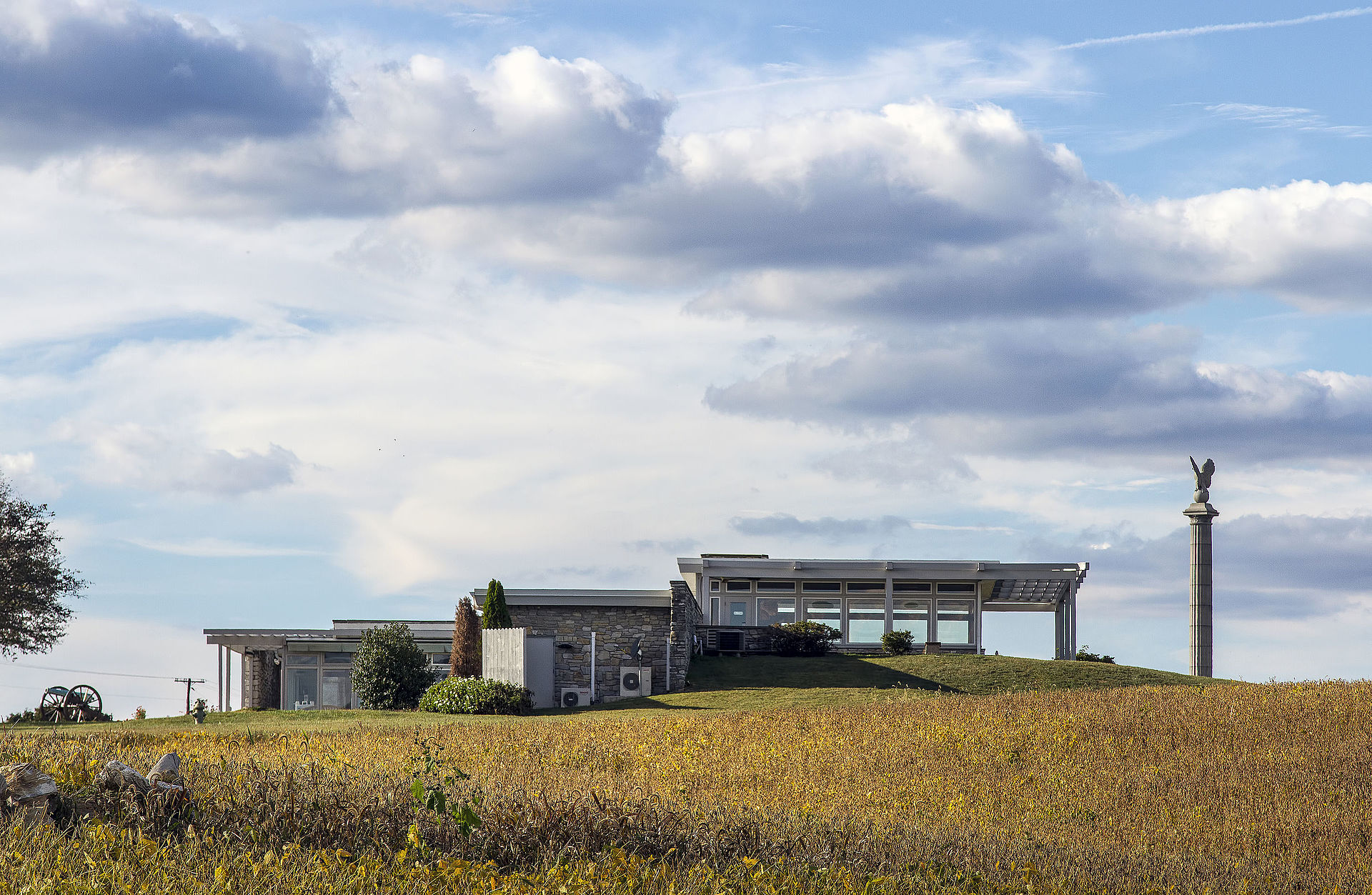 Like over 100 visitor centers constructed in the Mission 66 era, Antietam's Visitor Center is an example of Modernist architecture, which uses simple lines, forms, and materials to create a practical space. Wikimedia Commons.