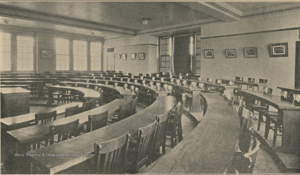 Law School lecture room in 1924, the year after Colson Hall was built.