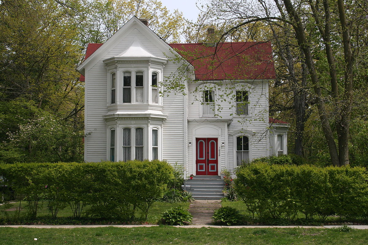 Wide View of Bailey-Michelet House in Wilmette. Originally built in 1871, the home was moved to this location in 1896.