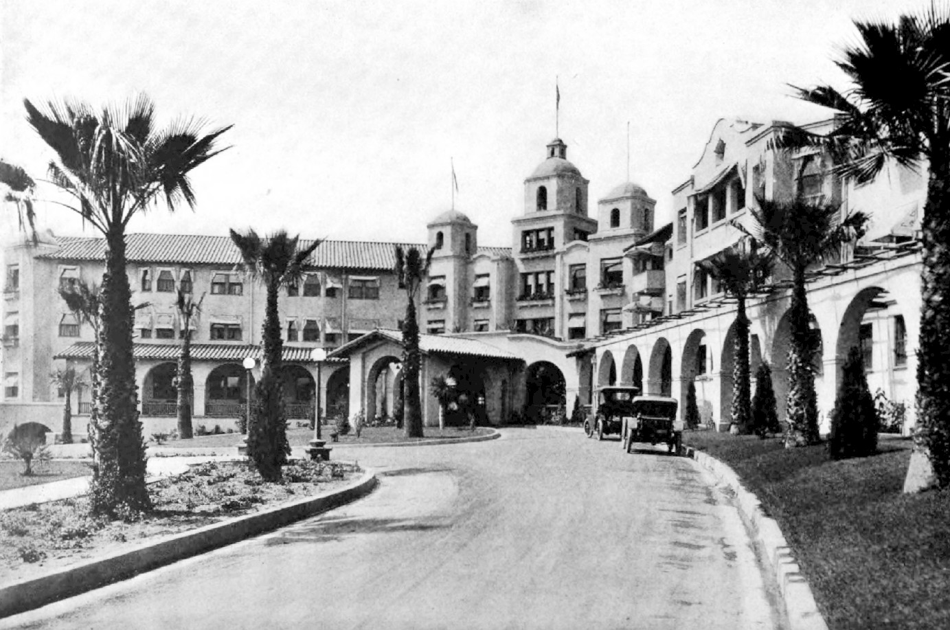 The Beverly Hills Hotel as it looked one year after it opened in 1912