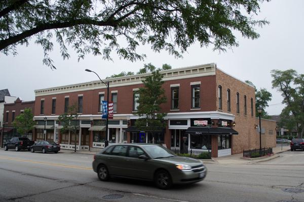 602-610 N. Milwaukee Avenue, circa 2016