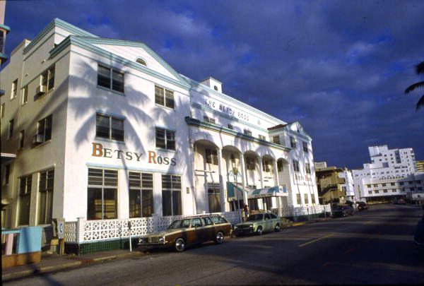 Betsy Ross hotel at 1440 Ocean Dr. in Miami Beach. Not before 1969. Florida Department of Commerce Collection. Florida Memory, State Library and Archives of Florida.