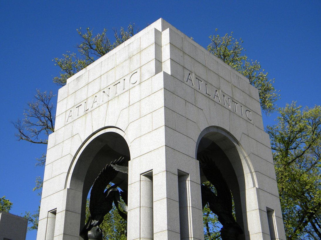 The Atlantic Arch commemorates those who fought in European countries. Photo courtesy of Sdwelch1031 on Wikimedia.