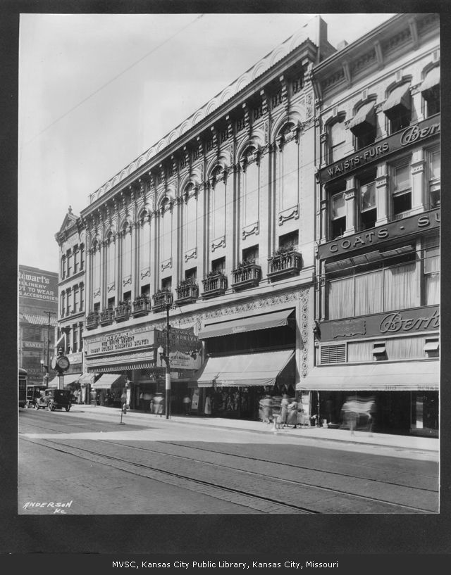 The Newman Theater around 1928. Image courtesy of the Missouri Valley Special Collections.