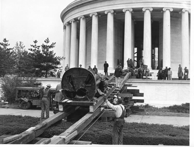 The 5-ton Jefferson statue was rolled up a ramp to the memorial. Photo courtesy of the National Park Service.