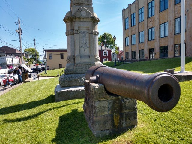 Cannon, last fired in defense of Ft. Sumter (view from north to south)