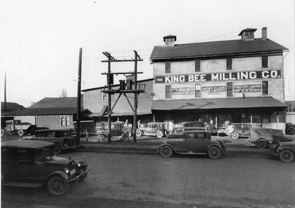 King Bee Milling Company located on the northwest corner of East Prospect Street and North Mechanic Avenue