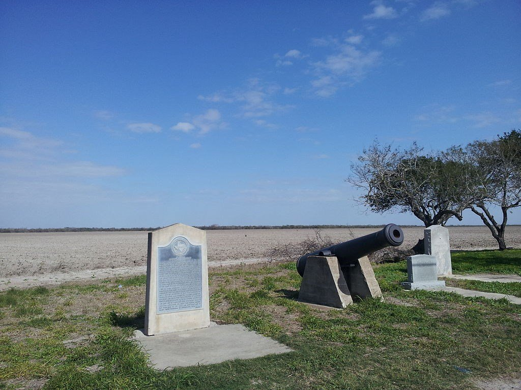 This monument was erected by the state of Texas in 1936 to commemorate the incident which sparked the war.