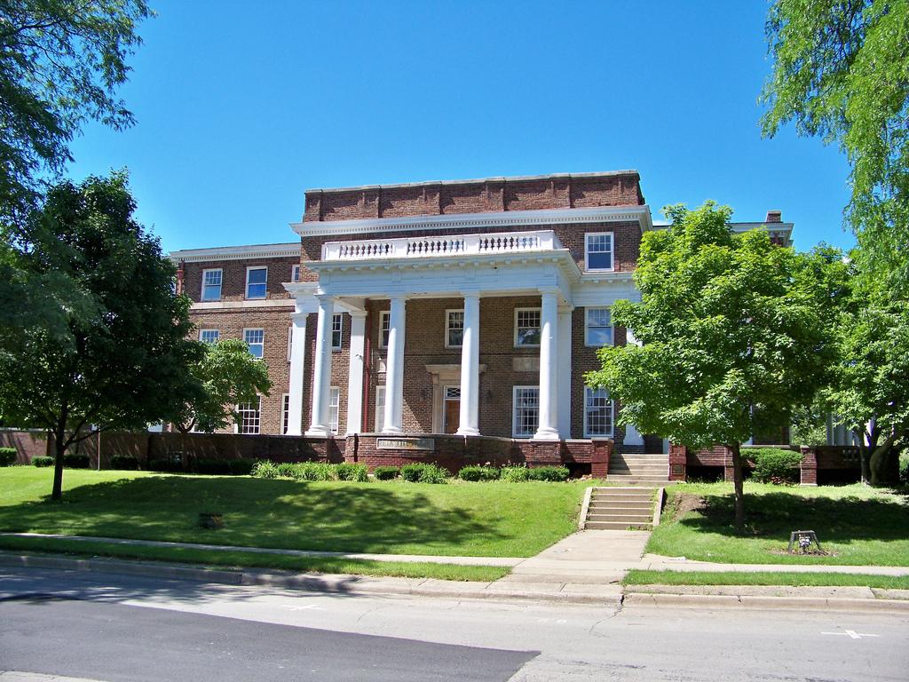 Beta Theta Pi Fraternity University of Illinois by Ray Cunningham