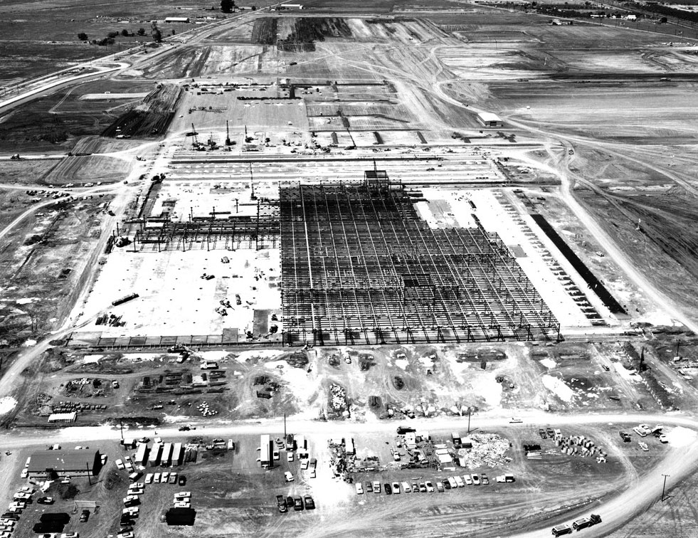 An aerial of the plant still under construction. The massive facility was capable of producing over 1,000 cars a day.