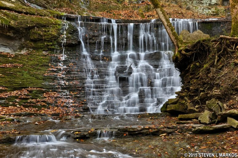 Frontal view - Jackson Falls, Tennessee. Photo: National Park Planner - Jackson Falls, Natchez Trace.