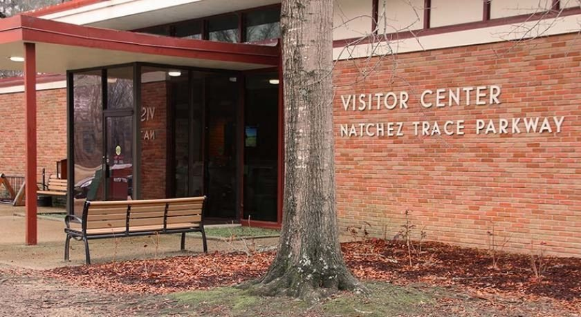 This visitors center is also the headquarters of the Natchez Trace Parkway and staffed by park rangers.