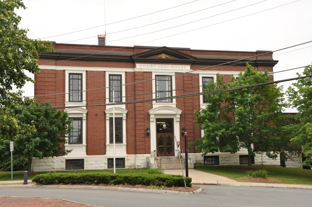 Built in 1901, the Hillsborough County Registry of Deeds building is a fine example of Classical Revival architecture.