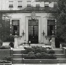 The entrance to the Charles C. Wise Library before the addition on the Downtown Library in front of it.