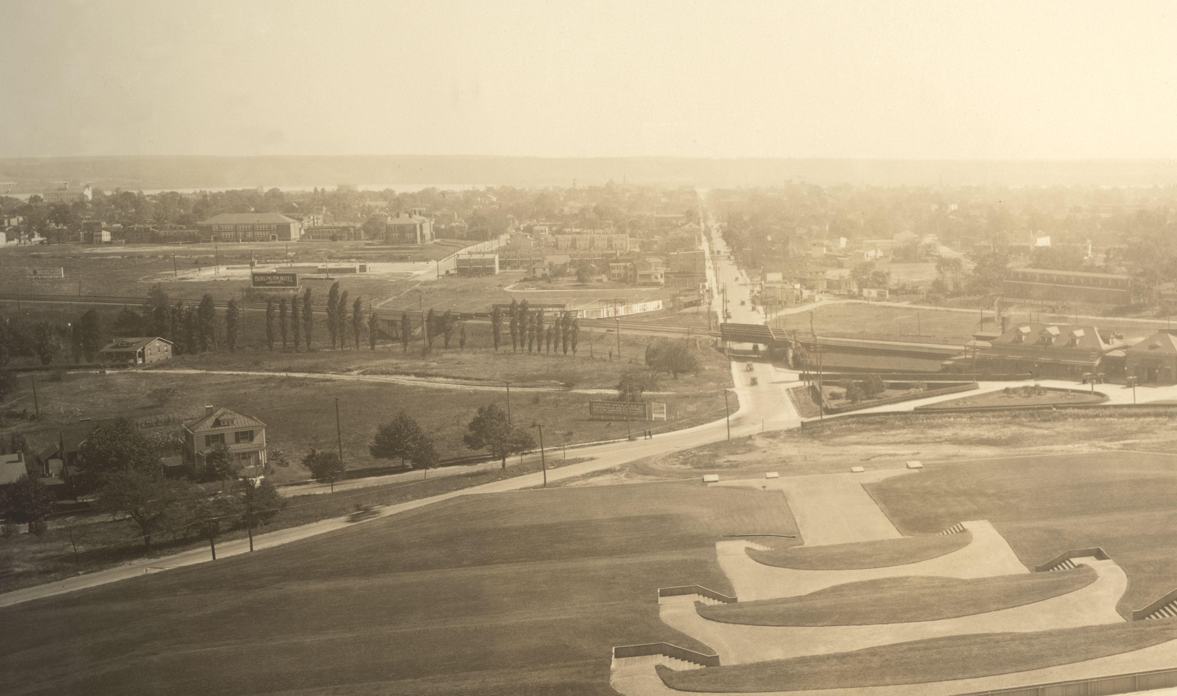 A 1920s view of Alexandria, Virginia, from above Shuter's Hill.