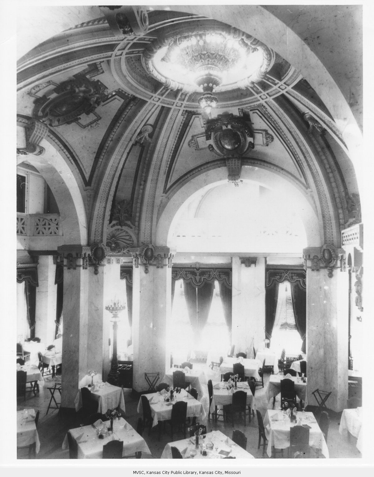 Dining hall in 1926. Image courtesy of the Missouri Valley Special Collections.