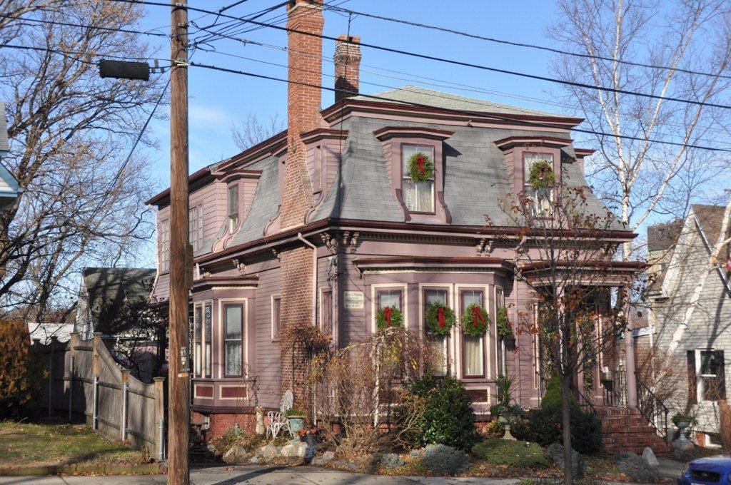 Lydia Pinkham House (image from Wikimedia)
