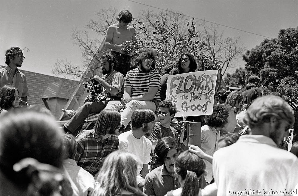 "Community activists protest in support of the ""People's Park"" and ""People's Park Annex"" (May 30, 1969)"