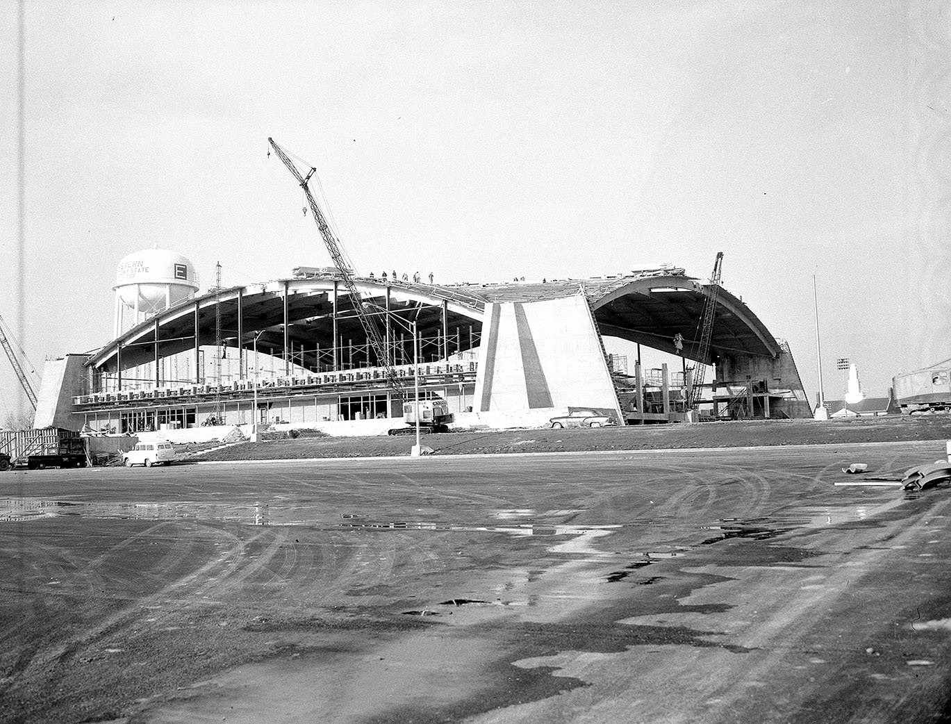 Construction of Alumni Coliseum, January 1963.  EKU Photograph Collection.