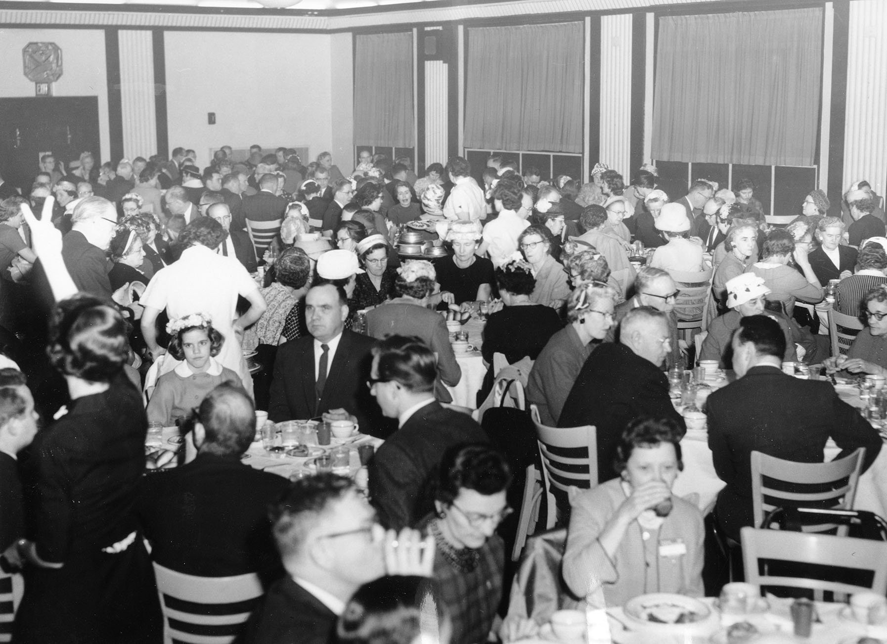 A shot of an Eastern alumni banquet, 1950s.  EKU Photo Collection.