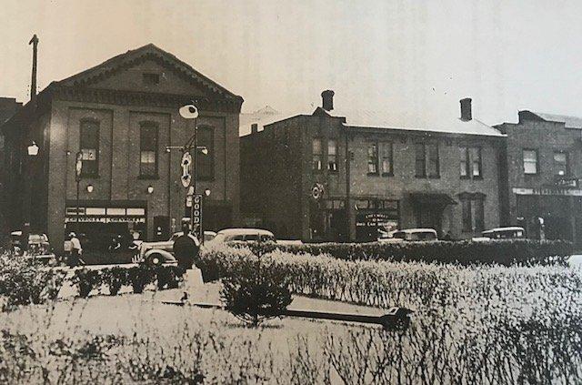 Theron Smith's auto repair shop 339 Depot Street 1922-1952
