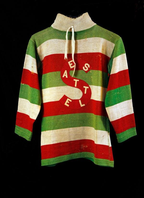 A Seattle Metropolitans sweater/Credit Dave Sandford/Hockey Hall of Fame