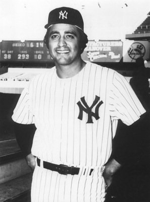 Mike Torrez playing with the New York Yankees