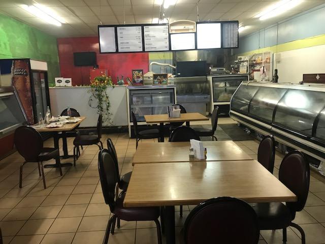 La Laguna dining room