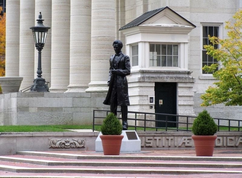 The Abraham Lincoln statue is located just outside the courthouse entrance. Photo: Rev. Ronald Irick