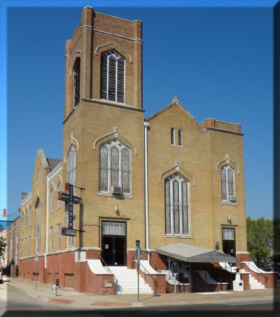 Photo from official church website http://www.allenchapelfw.org/sanc.htm