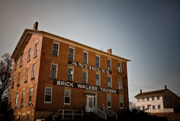 The Brick Walker Tavern, c. 2009. Credit: Marty Hogan, Flickr