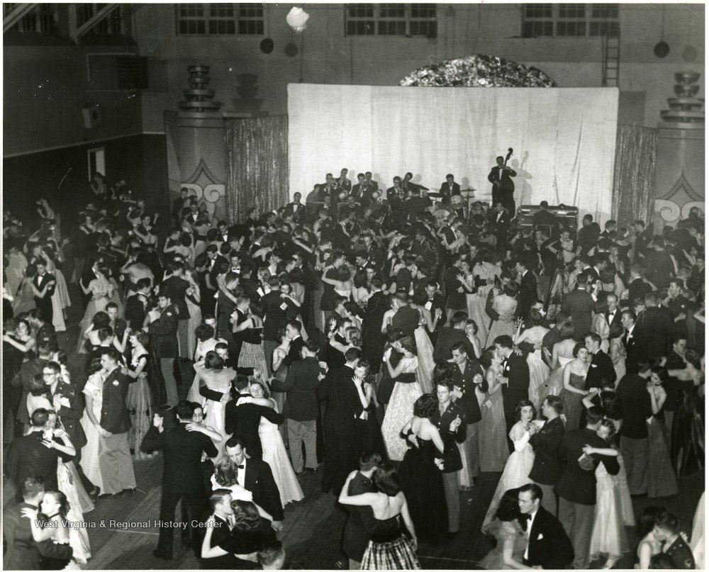 University dance held at the Old Mountainlair. Photo courtesy of West Virginia and Regional History Center, WVU Libraries.