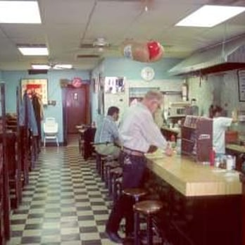 Picture inside Ritzy's showcasing the 1950s atmosphere.
