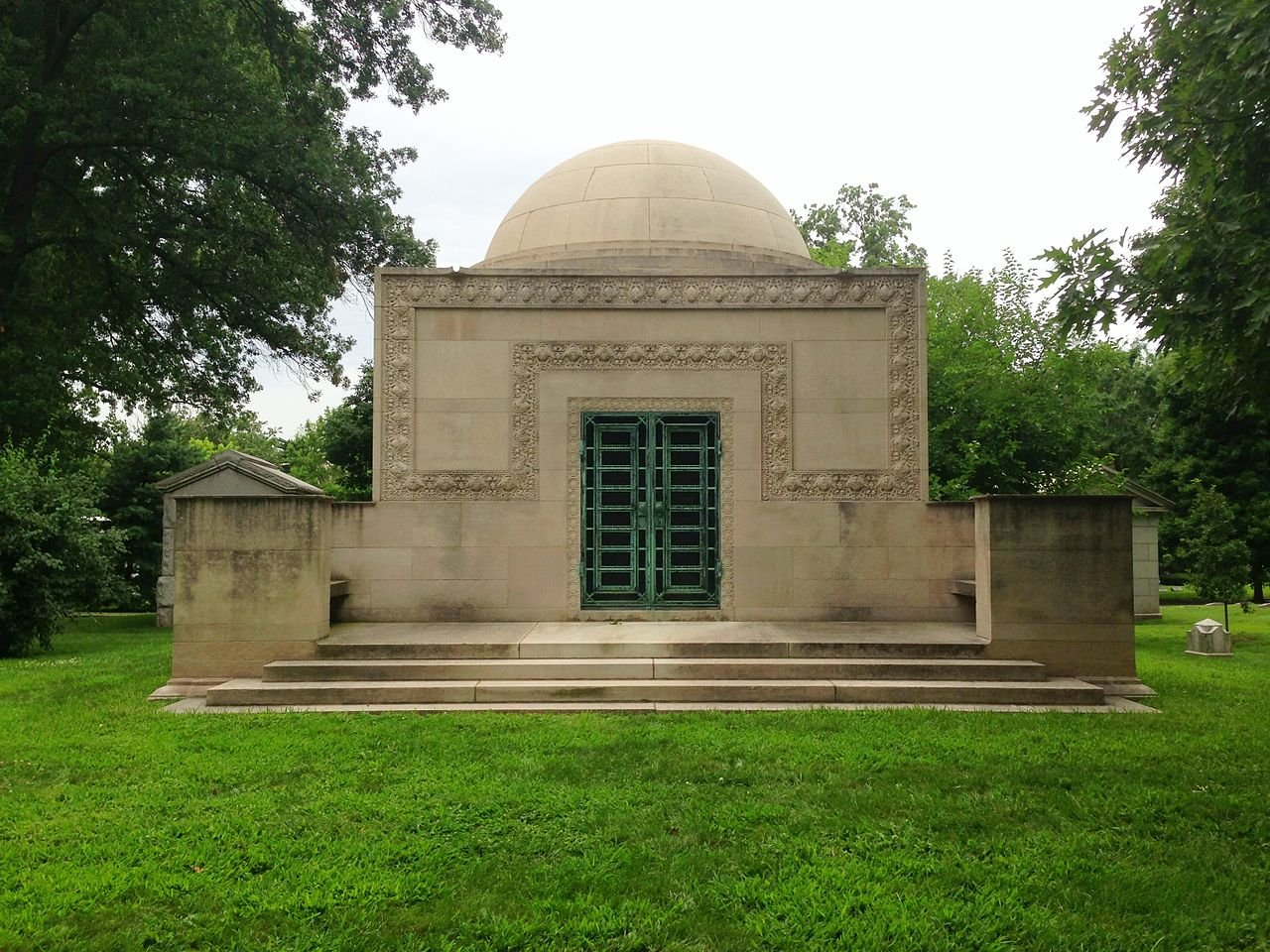 The Wainright Tomb is listed on the National Register of Historic Places for its architecture. It was designed by Louis Sullivan, who also designed the Wainright Building in the downtown area.