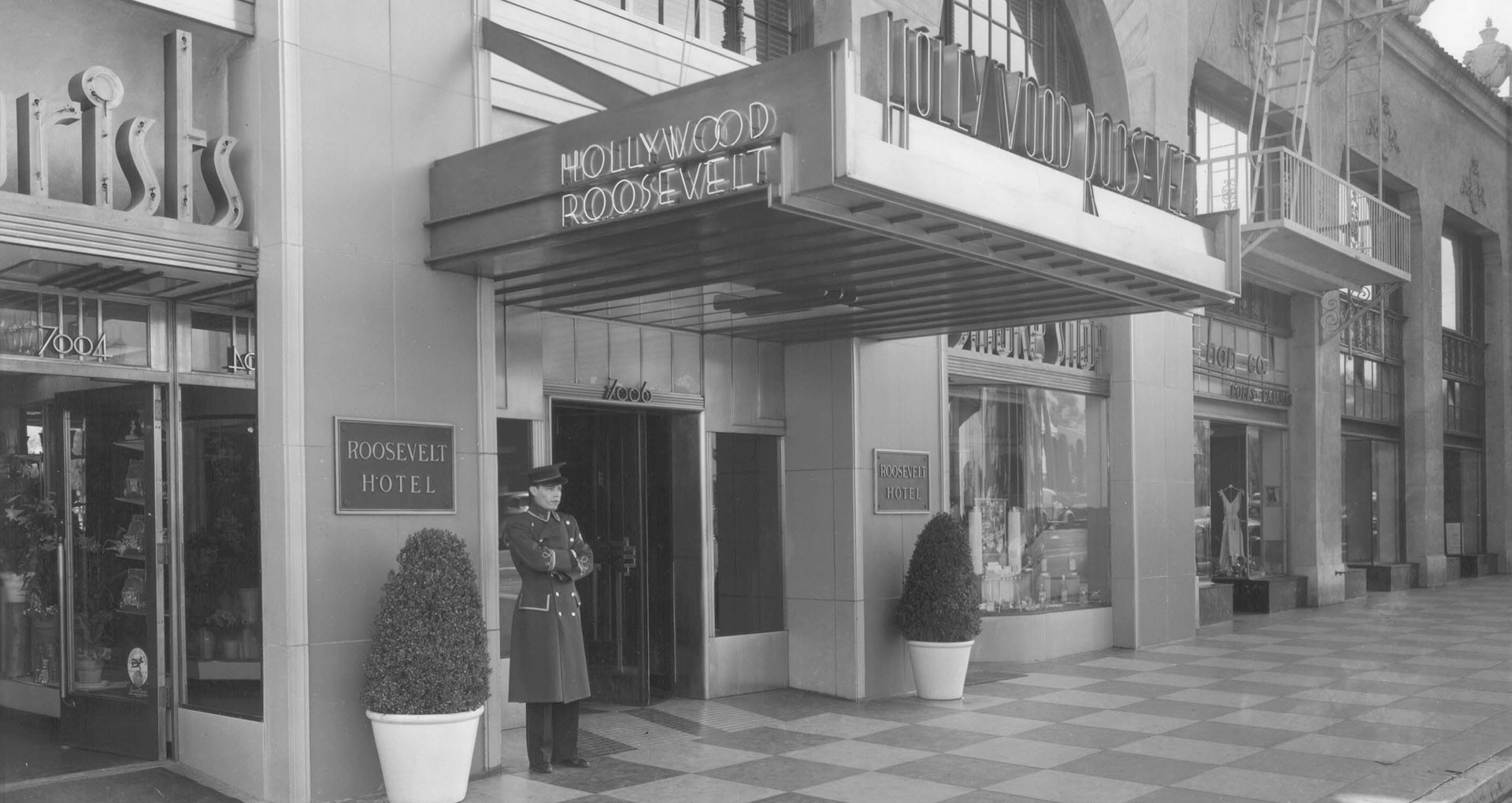 The entrance to the Hollywood Roosevelt Hotel as it appeared when it opened